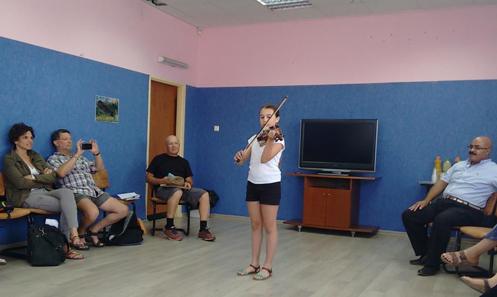 ajcenter-violin